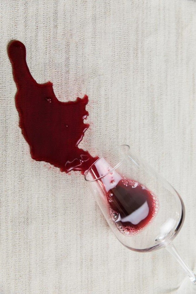 crypton_2018_res_red_wine_glass_spill.jp