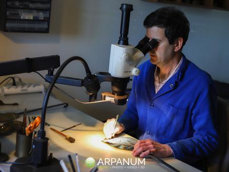 Bruno Bell, restaurateur d'objets anciens en métal