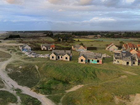 Site du village-fantôme de Pirou