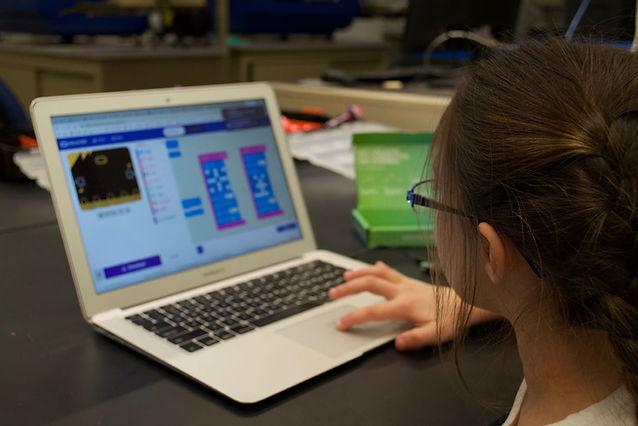 Resize Online Zoe-Homepage.jpg