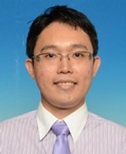 龙耀福 老师
