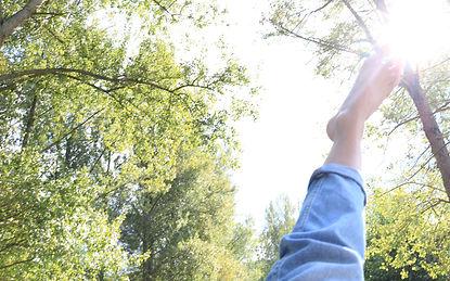 Camille marche sur le soleil.jpg