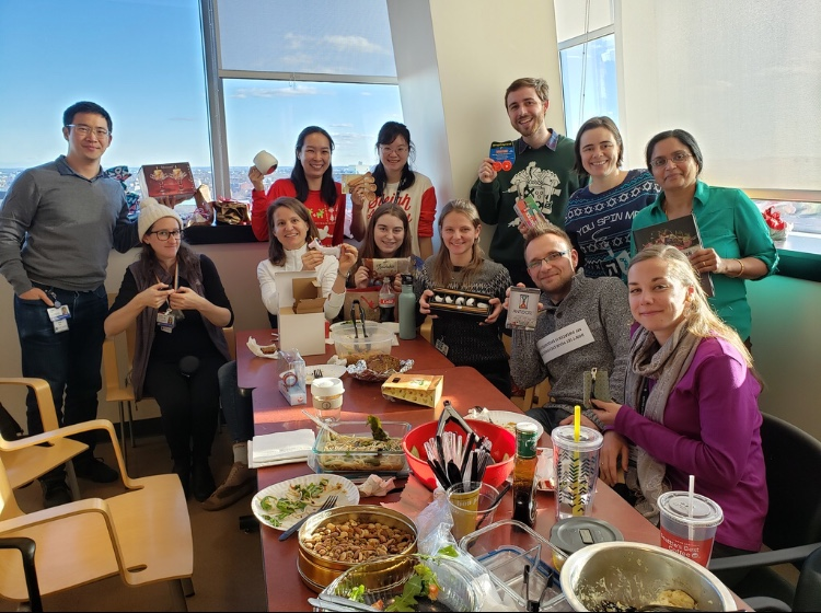 Hirschhorn Lab_Holiday gift exchange 201