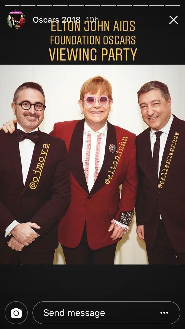 Fotos de Joan Roca con Elton John en la gala benéfica de los Oscars