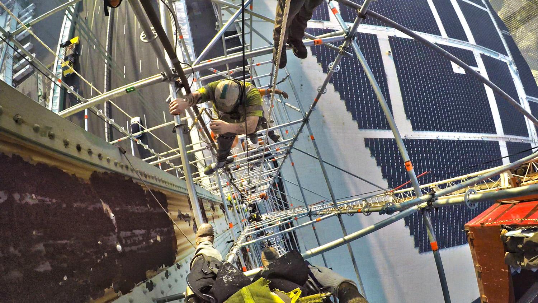 Climbing Pipe Scoffolding