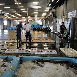 fish_market_01.jpg