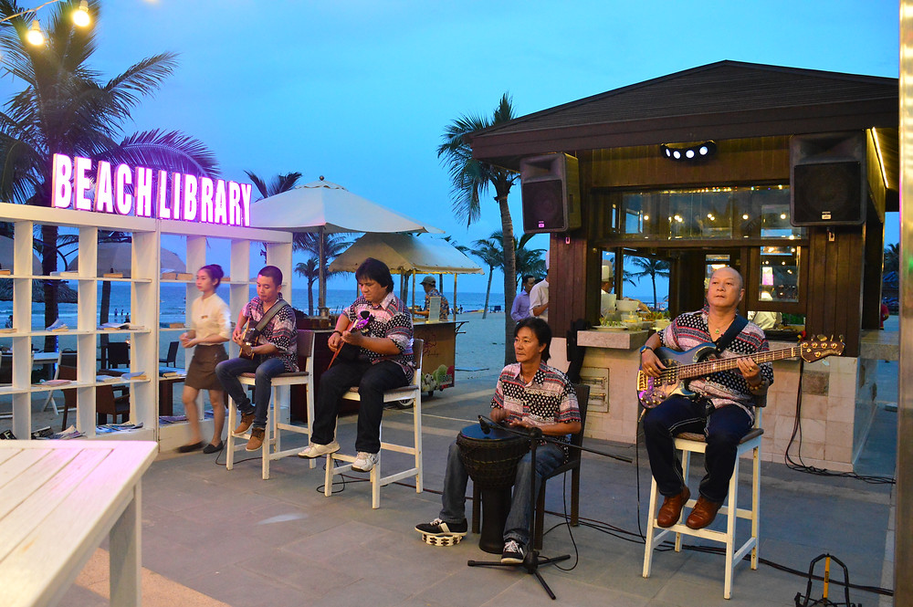 Flamenco band at The Holiday Beach Club