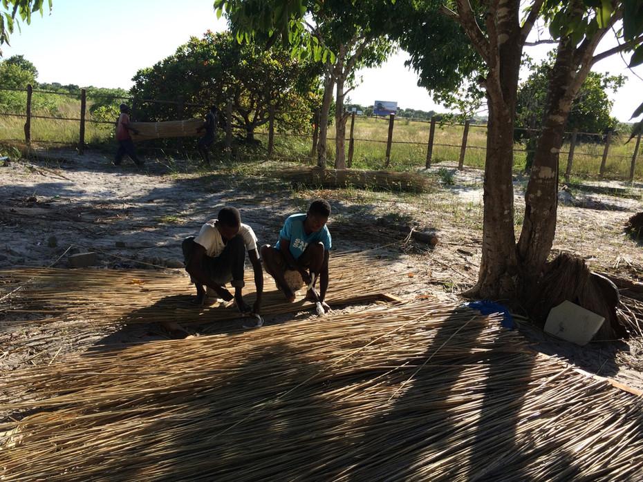 Die Bauarbeiten in Mosambik haben gestartet...