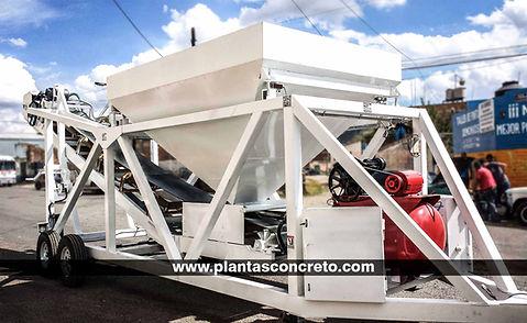 Planta Dosificadora Móvil de 1 Tolva con capacidad de producción de 12 metros cúbicos, celdas de carga, banda radial, 4  gatos de nivelación, compresor, bomba de agua. ZEUS15 Hegamex, plantasconcreto.com