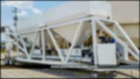 Planta dosificadora de dos tolvas con capacidad de producción de 30 metros cúbicos por hora, celdas de carga, banda radial, 6 gatos, bomba de agua y apertura neumática. Hegamex. plantasconcreto.com