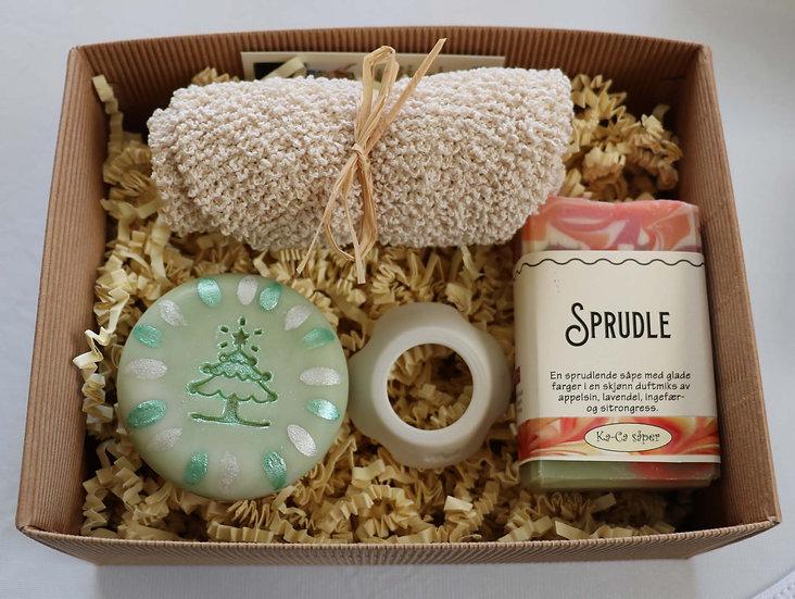 Gavepakke med to såper, vaskevott og såpering