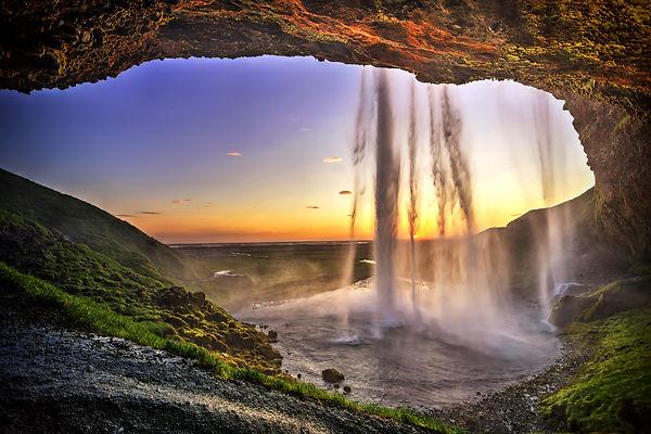 Iceland Framed waterfall golden hour.jpe