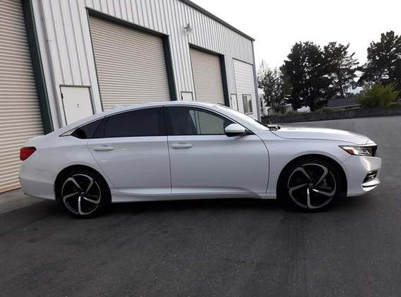 2019 Honda accord 5% tint in the back and 35% up front