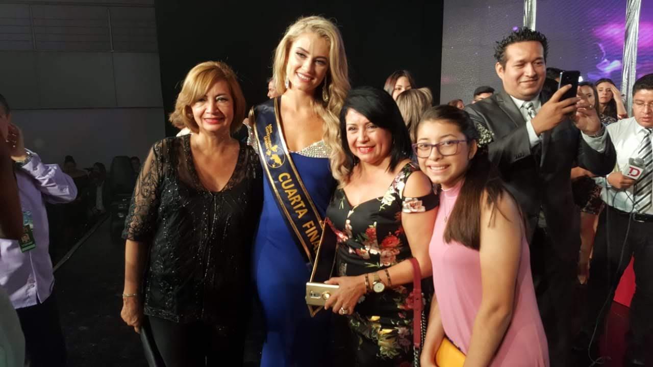 MISSES EMBAJADORAS DE LA PAZ