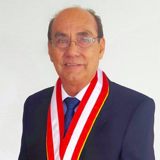 Dr. Carlos Enrique Fachín Mattos