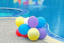 Ballons de la piscine