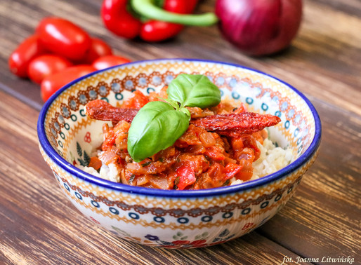 Ryż w sosie pomidorowo-paprykowym