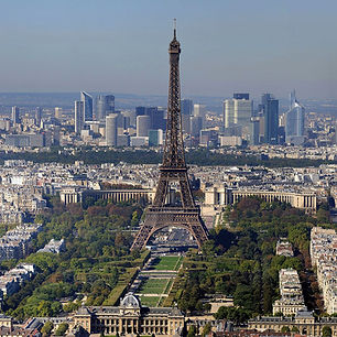 Paris_-_Eiffelturm_und_Marsfeld2.jpg