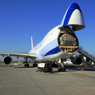 Boeing_747-409F_Prague_airport_2015_3.jp