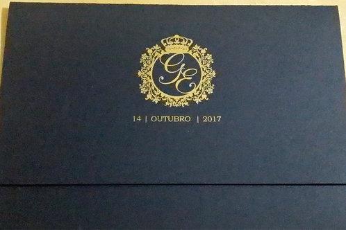 Convite 15 anos com Brasão dourado