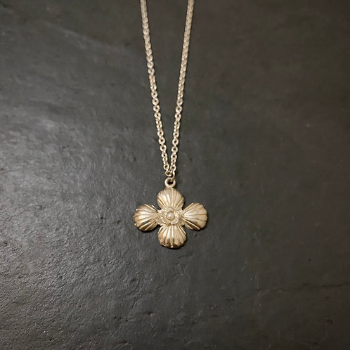 Cross shell necklace with pearl / Sample