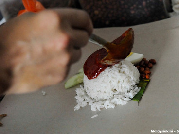 """What the """"Nasi Lemak graduates"""" need is a turning point"""