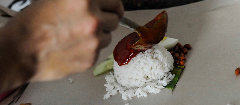 "What the ""Nasi Lemak graduates"" need is a turning point"