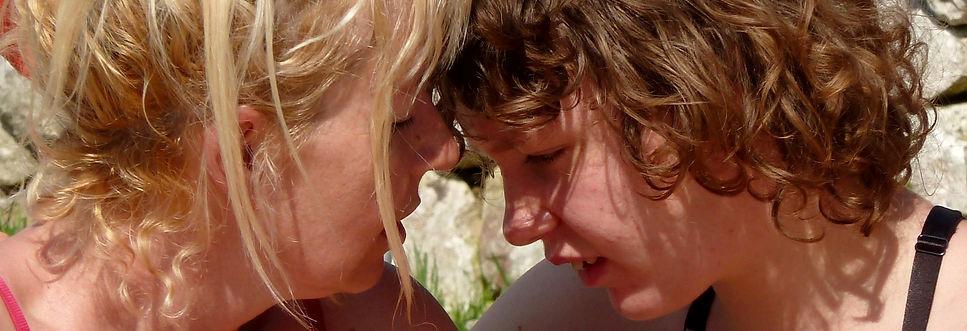 Lily, jeune autiste et sa maman Marie Bardot