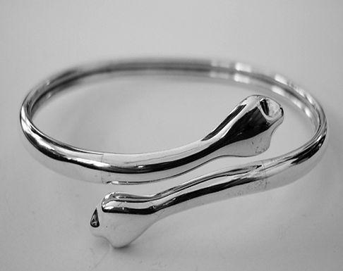 elegant snake bracelet