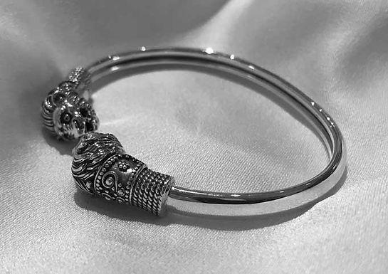 twin lion heads bracelet
