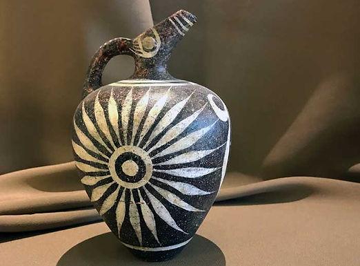 Minoan Kamares prochous with rays