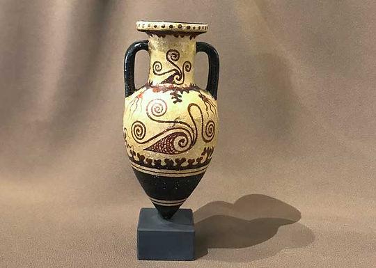 Minoan pointed amphora with murex