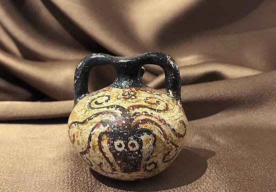 Minoan octopus stirrup jar (mini)
