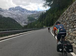 cycling tour passo stelvio gavia mortirolo bernna bike bormio livigno