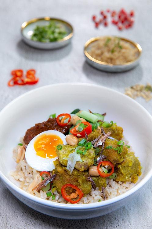 Nasi Lemak with Brown Rice (553 kcal)