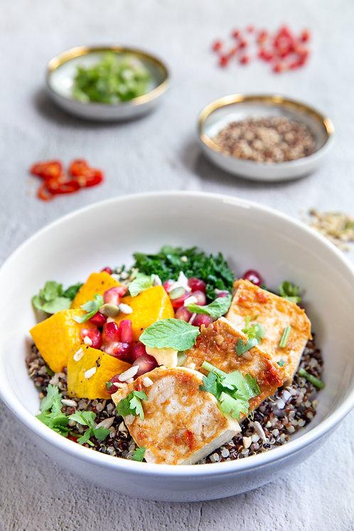Tofu Kale Quinoa Salad (490 kcal)