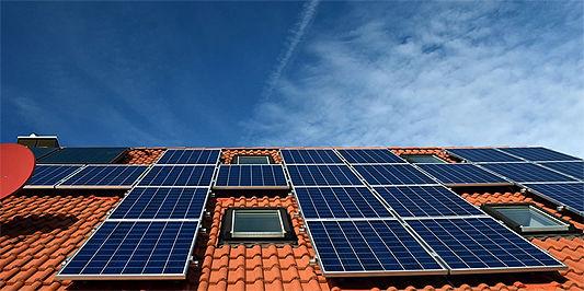A_energia_solar_em_evento_online_para_ar