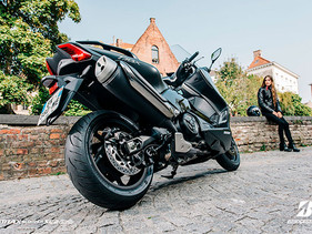 Bridgestone invita a los motociclistas a manejar de forma segura