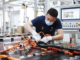 BMW Brilliance Automotive duplica la capacidad de producción de baterías de alto voltaje en China.