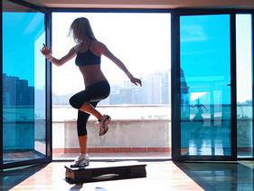 """4 ejercicios con """"banco"""" para quemar más grasa"""