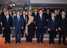 CEO de Nissan se reúne con la embajadora de México en Japón