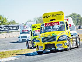 Paul Tracy correrá también en los Tractocamiones Freightliner