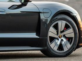 Hankook suministra neumáticos especiales para autos eléctricos de Porsche