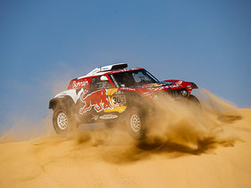 Carlos Sainz gana el Dakar por tercera vez y le brinda a MINI su quinta victoria