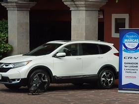Recibe Honda CR-V premio como mejor camioneta familiar