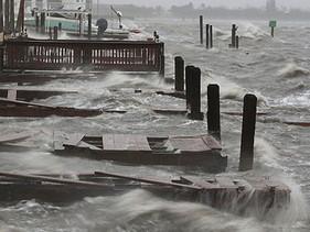 Impactante llegada del Huracán Matthew a Florida