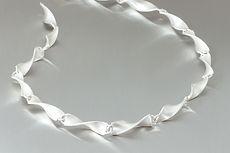 zwei-machen-schmuck-kette-silber-fussili-gedreht-design-goldschmiede-anfertigung-essen-ruettenscheid