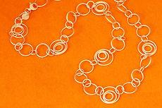 zwei-machen-schmuck-kette-kreis-oesen-draht-silber-design-goldschmiede-anfertigung-essen-ruettenscheid