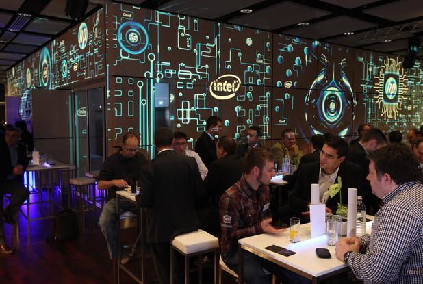 HP - Tech Gate Wien  Konzept, Produktion und ProjektionsTechnik - MODULUX (Implementierung/Johannes Menneweger bei Lichttapete)  Produktions Agentur: MCI Wien