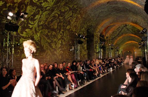 - Solomia -  - Langen Kasematte, Palais Coburg  -   Konzept, Produktion und ProjektionsTechnik -  MODULUX (Implementierung/Johannes Menneweger bei Lichttapete)  Produktions Agentur: Publicity LinkPR & Events for Fashion - Art - Lifestyle